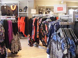 Taking-Shape-Retail-Shopfittings-in-Stainless-Steel