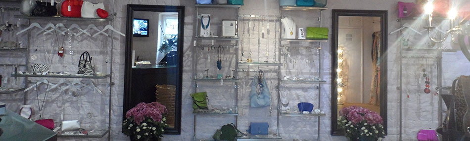 Dymond-Shopfittings-stainless-steel-wall-display-system