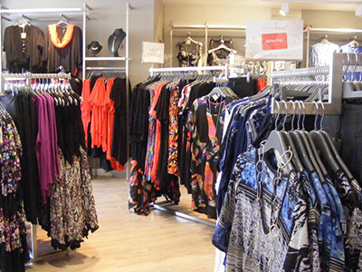 Metal Retail Display Fittings for Ladies Fashion: Mid-Floor Gondolas and Wall Fittings