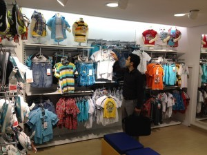 Dymond-Metal Shopfittings-Wall-Display-Rail-for fashion